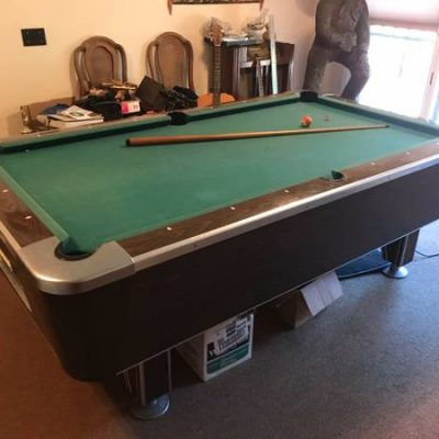 Valley Pool table Its 7.5ft x 4.5 ft.